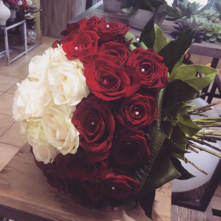 votre artisan fleuriste vous propose le bouquet : Cupidon