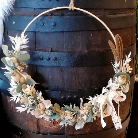 votre artisan fleuriste vous propose le bouquet : Couronne De Fleurs Séchées