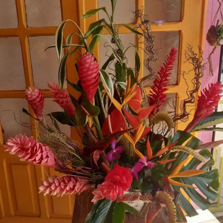 votre artisan fleuriste vous propose le bouquet : Exotiquement Vôtre
