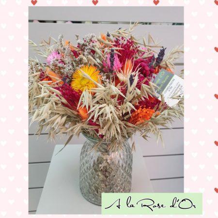 votre artisan fleuriste vous propose le bouquet : Bouquet Rond De Fleurs Séchées et son vase