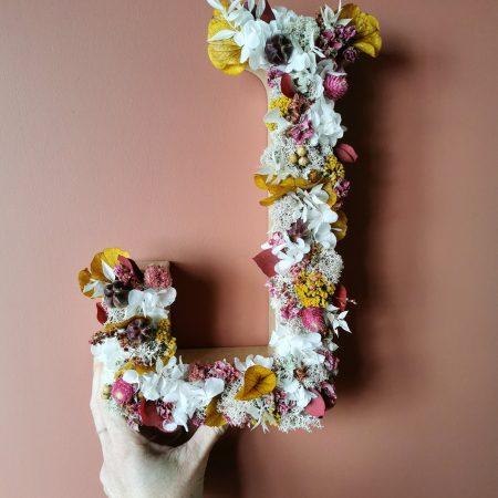 votre artisan fleuriste vous propose le bouquet : Lettre En Fleurs