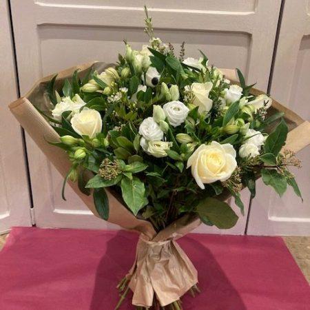 votre artisan fleuriste vous propose le bouquet : #White Bouquet#