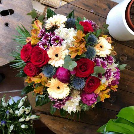 votre artisan fleuriste vous propose le bouquet : Bouquet de couleurs