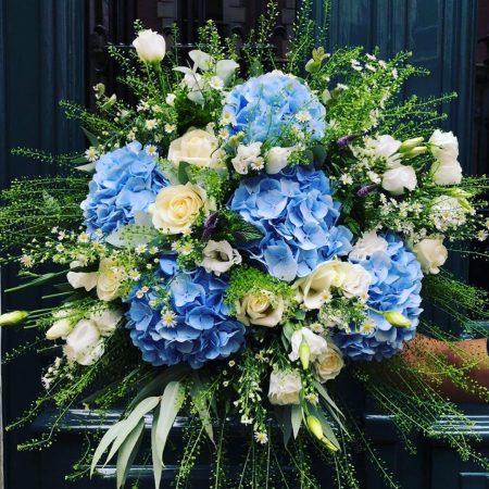 votre artisan fleuriste vous propose le bouquet : Bouquet bleuet