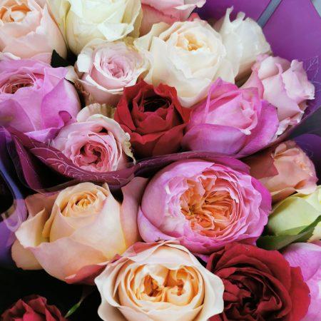 votre artisan fleuriste vous propose le bouquet : Bouquet De Rose Rouge À L'Unité (70cm)