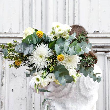 votre artisan fleuriste vous propose le bouquet : Bouquet jaune et blanc
