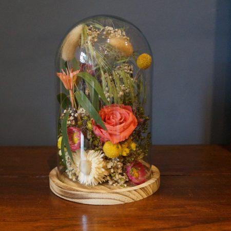 votre artisan fleuriste vous propose le bouquet : Cloche fleurie