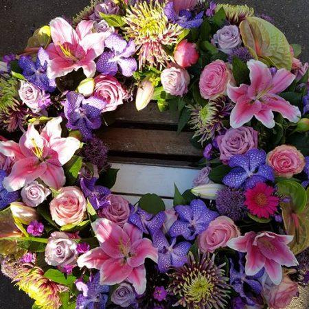 votre artisan fleuriste vous propose le bouquet : Couronne