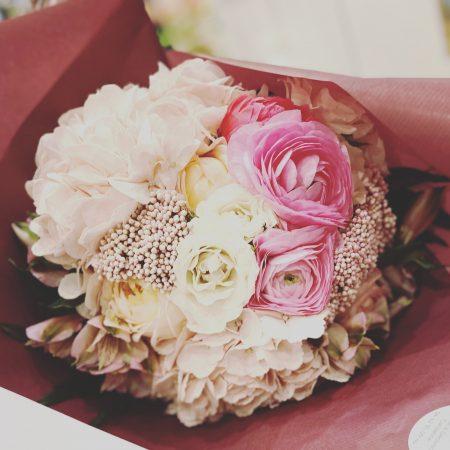 votre artisan fleuriste vous propose le bouquet : BON CADEAU 6 BOUQUETS