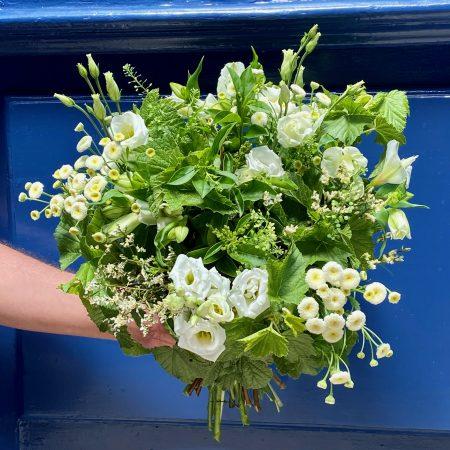 """votre artisan fleuriste vous propose le bouquet : Bouquet """" Le Bordelais """""""